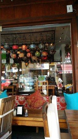 Cafe Rumist : Afuera de Rumist Café