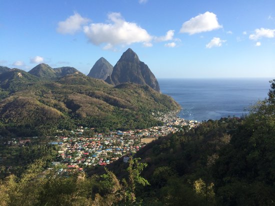 Real St. Lucia Tours : The driver stopped so I could snap this picture!