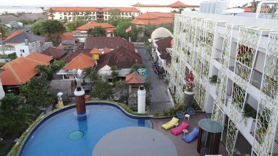 Ion Bali Benoa Hotel: Overview of Hotel and Pool