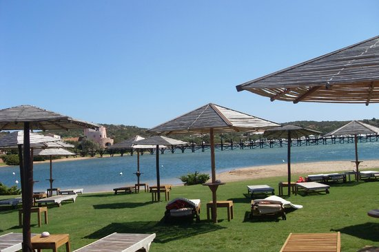 Hotel Cala di Volpe, a Luxury Collection Resort: Территория отеля