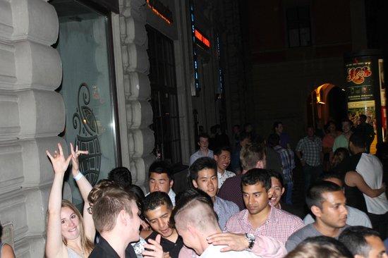 Prague Pub Crawl: between clubs