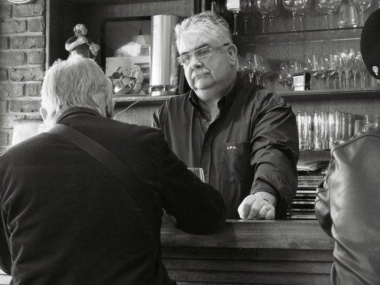 A la cantonade : le Patron gentil et costaud, attention Rugby dans la peau !