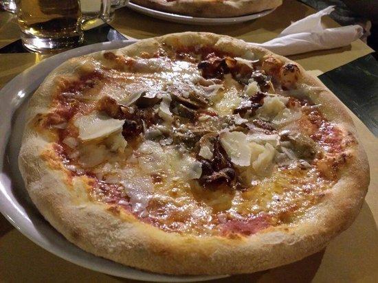Il Bandierino: ... pizza da turista ;)))