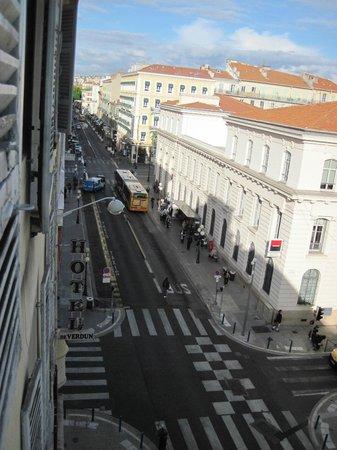 Hotel de Verdun : Blick auf die Rue de l'Hotel des Postes