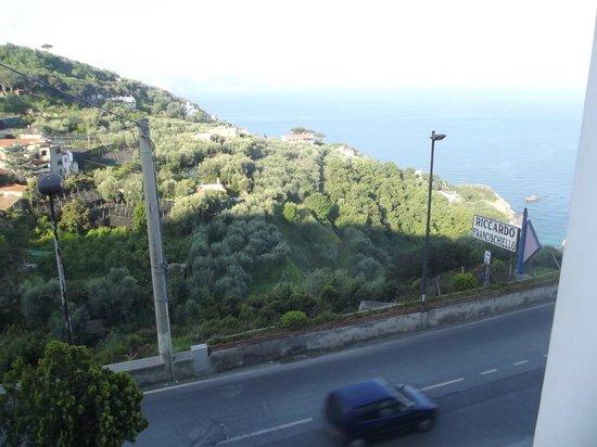 Francischiello Hotel & Spa Bellavista : Légèrement décalé , car c'est la dernière chambre côté droit lorsque l'on est face à l'hotel.