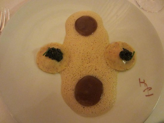 Hostellerie De Plaisance Restaurant : No taste at all......