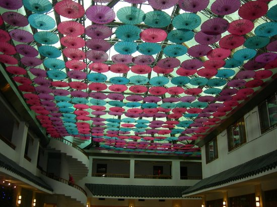 New Century Hotel: pretty restaurant ceiling