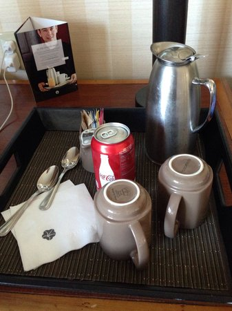 Omni Interlocken Hotel: Complimentary drinks each morning with Omni Guest Select