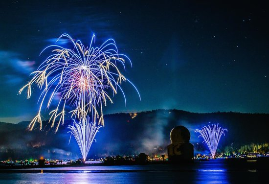 Big Bear City, CA: Big Bear CA - 4th of July Fireworks Spectacular