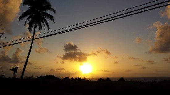 Hana Accommodations: Sunrise from the lanai