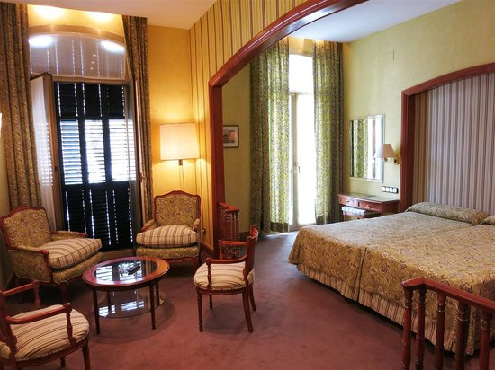 Colon Hotel: Spacious Superior Room