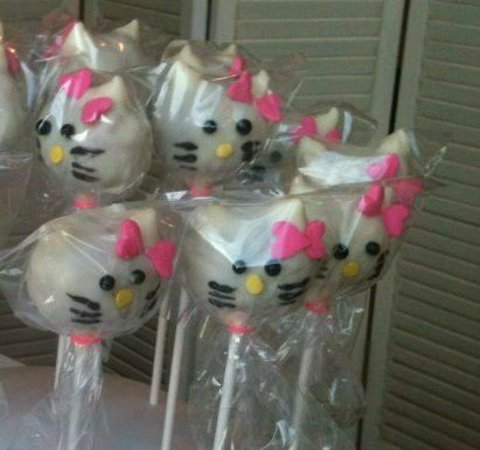 a8ff6c6fa Hello Kitty Cake Pops - Picture of Marie and Twannette's bakery ...