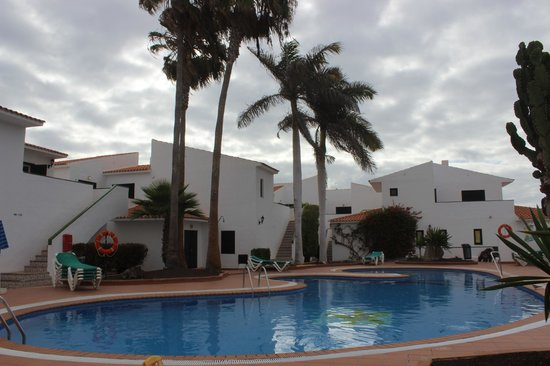 Puerto Caleta : pool area