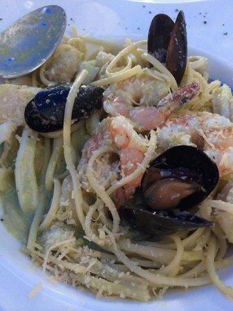 "Pesquera Jaramillo: esta es una pasta ""pesto""  según la pesquera caramillo (dulceeeee) (too sweet)"