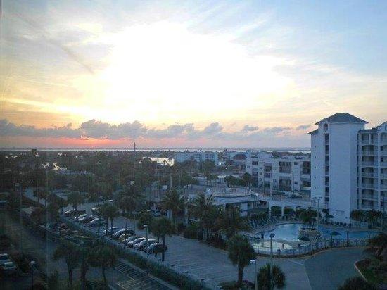 Hilton Cocoa Beach Oceanfront: Vista do quarto para o continente (Oeste)