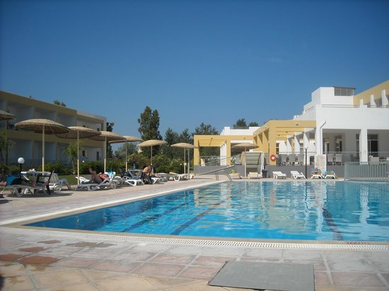 Pyli Bay Hotel: autre vu piscine