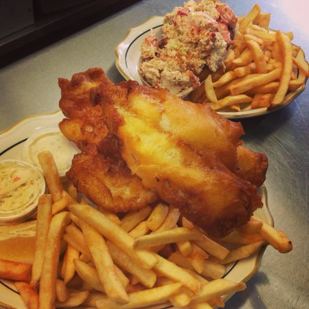 Best seafood anywhere review of jimmy 39 s portside for Best beer battered fish