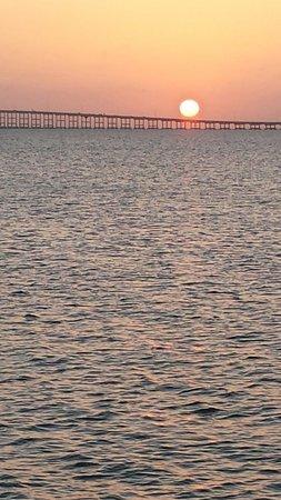 Pier 19 : Sunset@Pier19