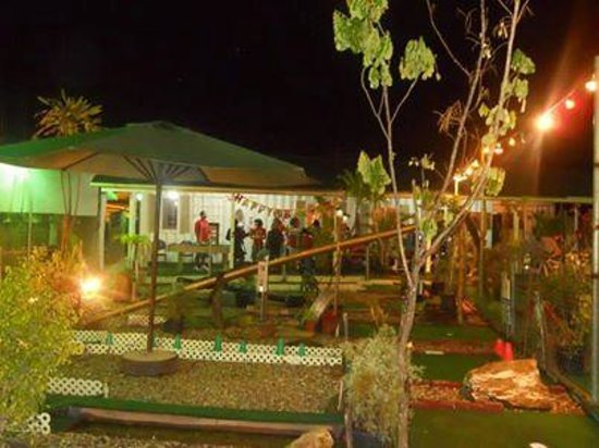 Bedrock Minigolf and Game Centre: perfect ambience for a garden party