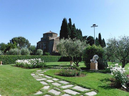 Sovana Hotel & Resort: La vista sul Duomo