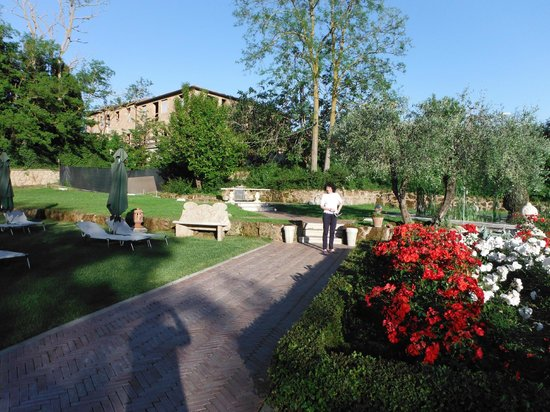 Sovana Hotel & Resort: Il parco