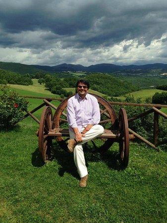 Agriturismo Casale Sant'Antonio : panoramica difronte casale san antonio