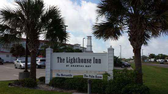 Lighthouse Inn at Aransas Bay: Front Entrance