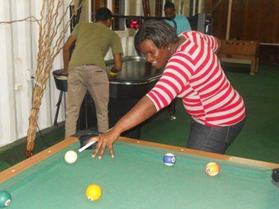 Bedrock Minigolf and Game Centre: lets play some pool nuh