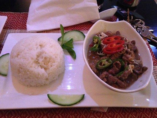 Saigon Lotus : Com de xao lan - Rice with goat stir fried in lemon grass & herbs