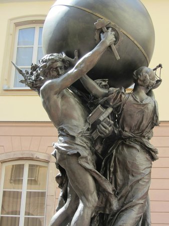 Musee Bartholdi: Ce qui soutien le monde