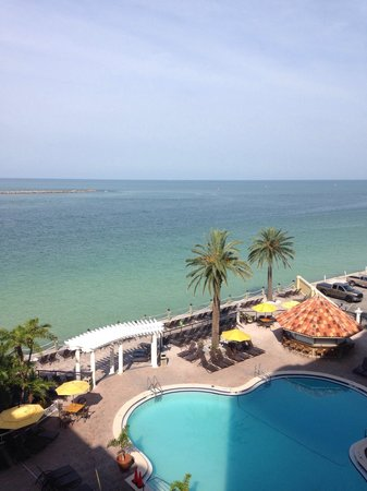 Holiday Inn Hotel & Suites Clearwater Beach: View from 652