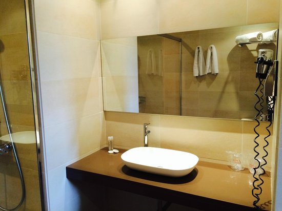 Hotel Internacional Ramblas Cool : Bathroom