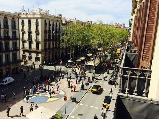 Hotel Internacional Ramblas Cool : View towards Placa de Catalunya
