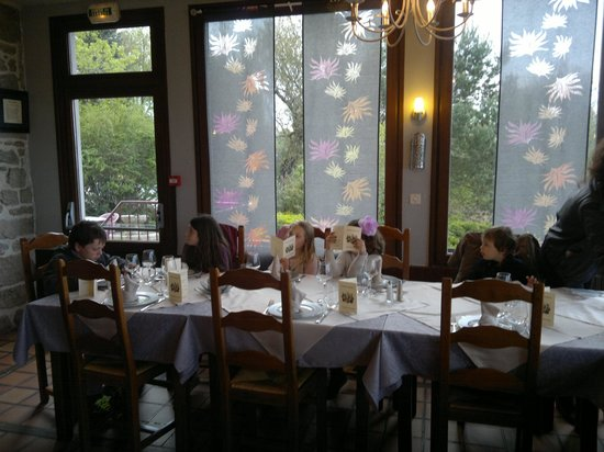 """Le Viaduc : The restaurant, with scenic view over the """"viaduc"""""""