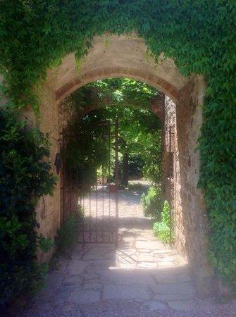 "Le Logge del Vignola: A Tuscany ""wannabe"""