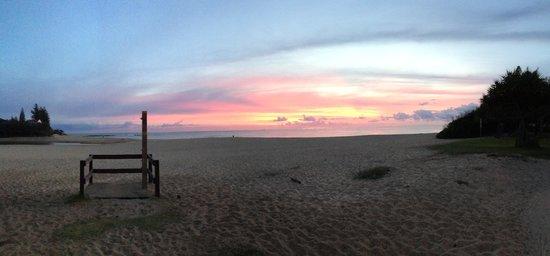 Moffat Beach Motel: Great sunrises