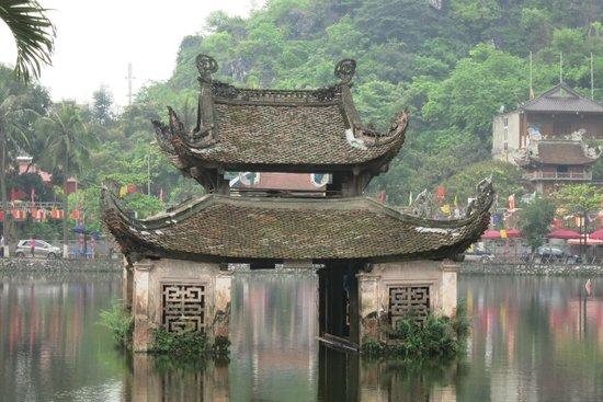 Duong Lam Ancient Village : Village de Sai Son