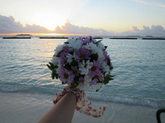 Kurumba Maldives: My wedding flowers