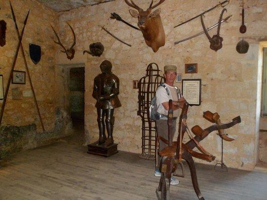 La Maison Forte de Reignac : salle d'armes