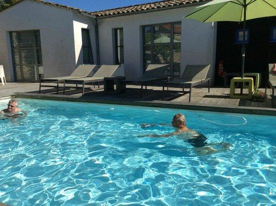 Hotel Restaurant l'Ocean : piscine chauffée