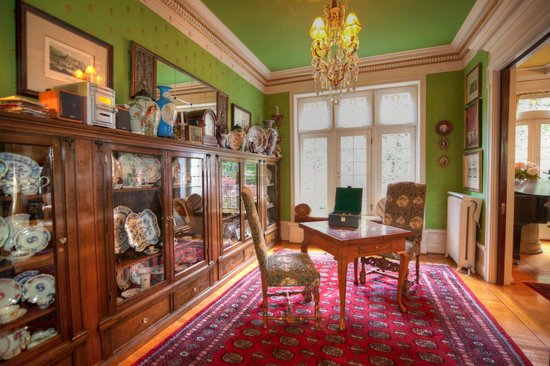 Portland's White House Inn: Game room off of the parlor by 3rd Eye Photography