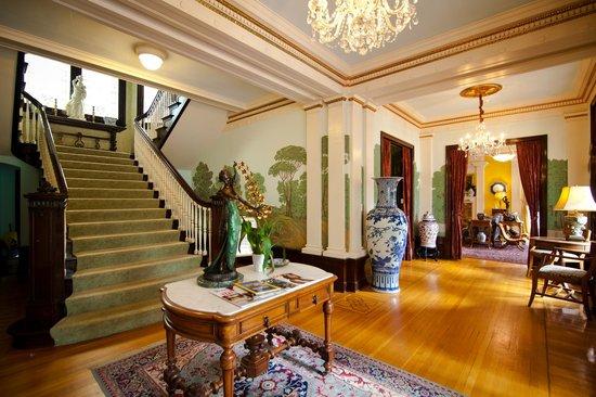 Portland's White House Inn: Majestic Entrance Lobby by 3rd Eye Photography