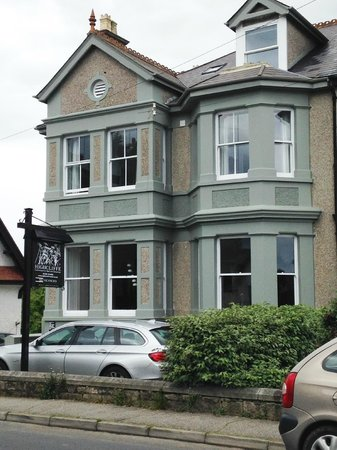 Highcliffe Contemporary Bed and Breakfast: The Highcliffe