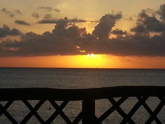 Alicia's Bed & Breakfast: Beautiful Sunsets