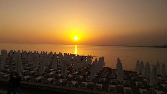 Can Garden Beach Hotel: Traumhafte Sonnenuntergänge zum Abendbrot