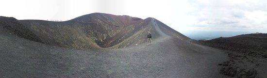 Etna Moving - Excursions & Trekking: paesaggio lunare