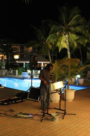Ocean Club Cabana Bar & Grill: Live Entertainment