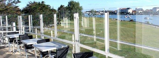 Restaurant le QG : Une autre vue de la terrasse du QG...