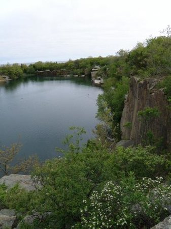 Halibut Point State Park: the Quarry