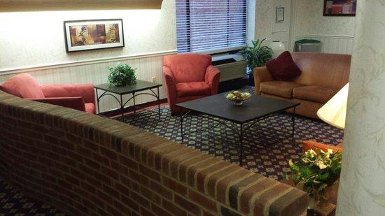UVA Inn at Darden : Sitting rooms